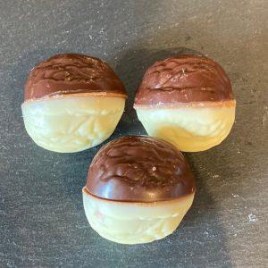 walnoten-bonbons-bestellen-hapjes-bestellen-feesthapje.nl