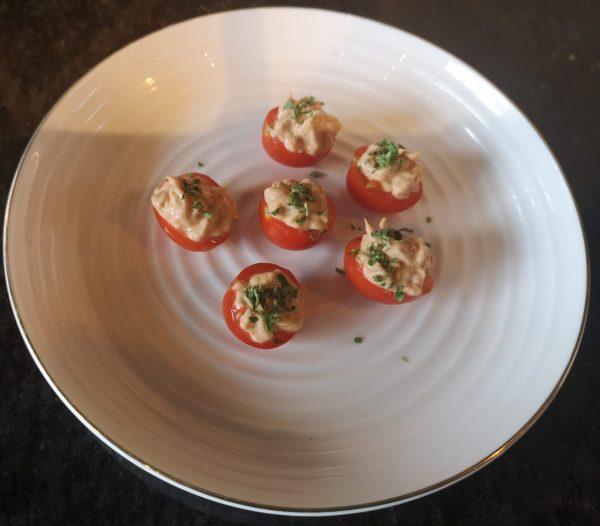 tomaatje met tonijnsalade