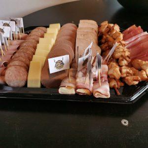 feesthapje_bestellen_catering_gelderland_kaas_worst_plankje